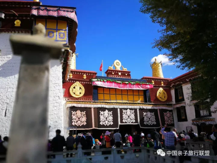 王的宝座,空闲在大昭寺里