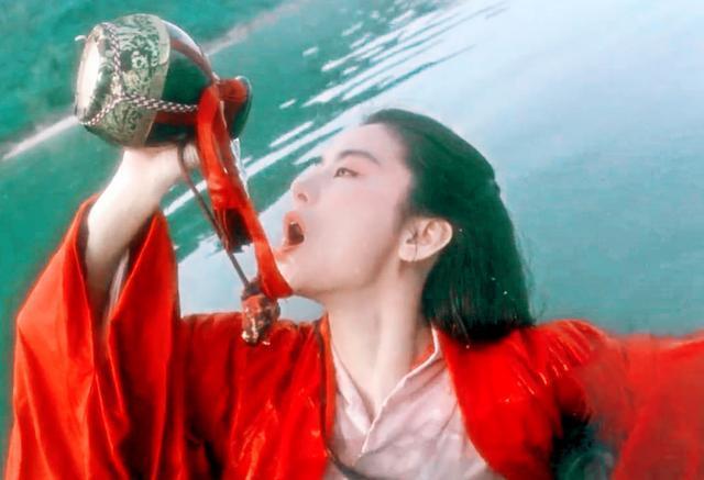 我的老婆是东方不败_笑傲江湖:东方不败是善是恶?何不杀了任我行父女