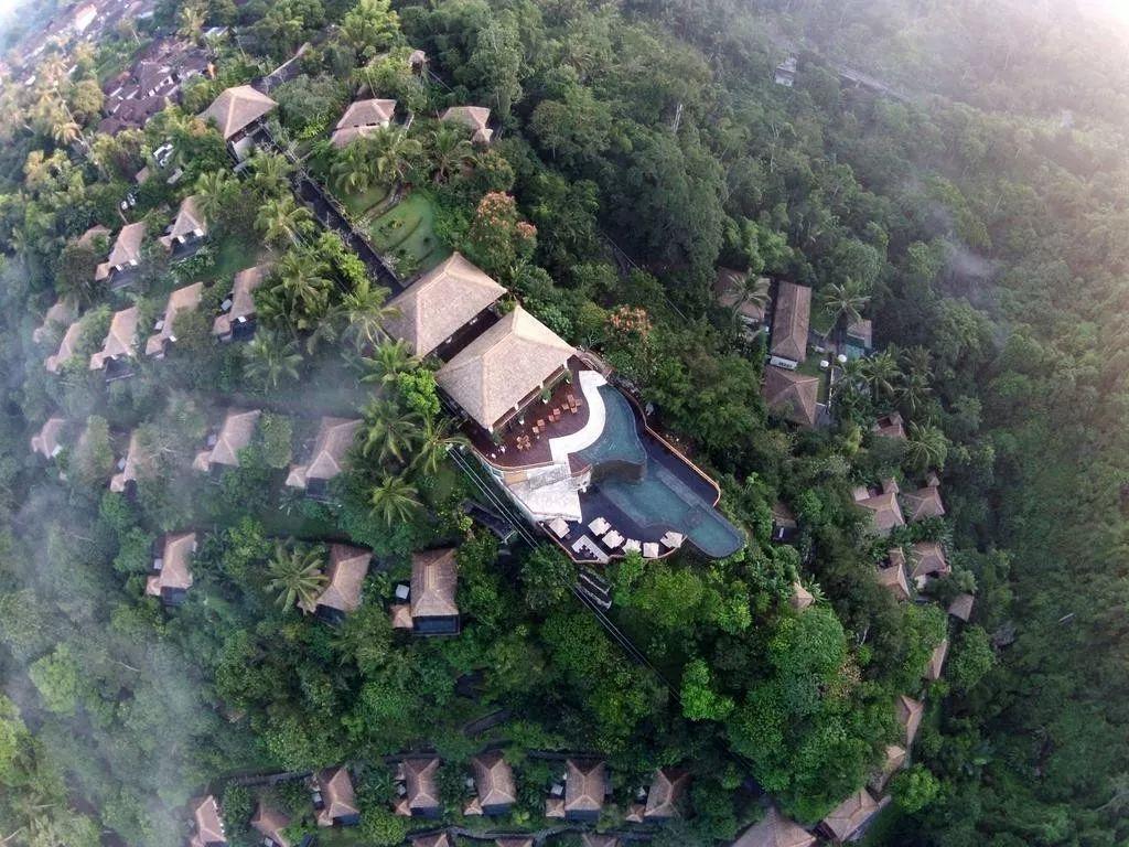 这个空中无边泳池,成了明星网红最爱的酒店拍摄地