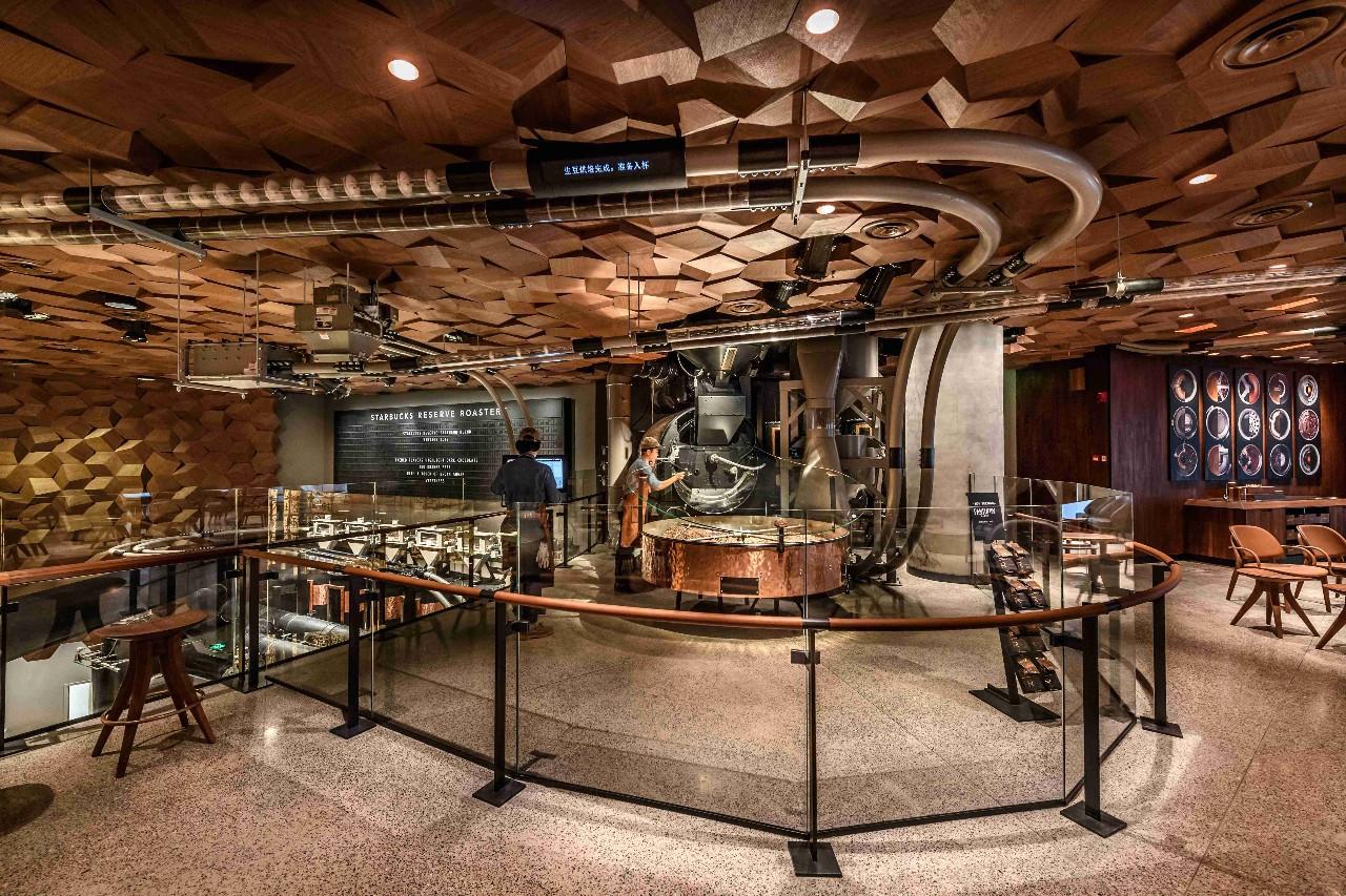 星巴克烘焙工坊来中国了!比查理的巧克力工厂还要壮观!_搜狐美食_搜狐网