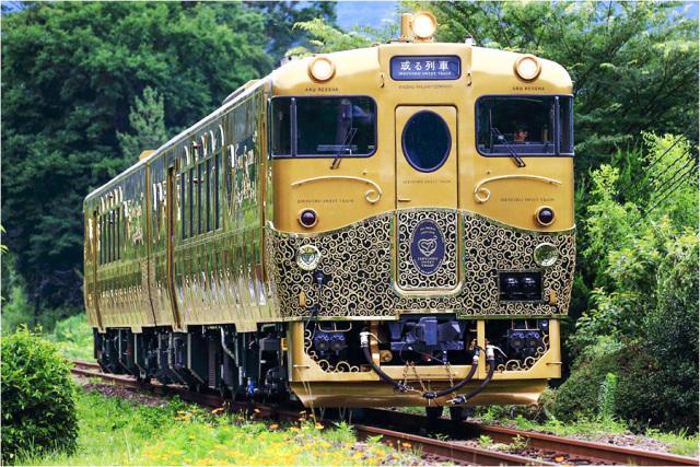 Trip丨在这八辆豪华列车上,玩出日本的细节与奢华