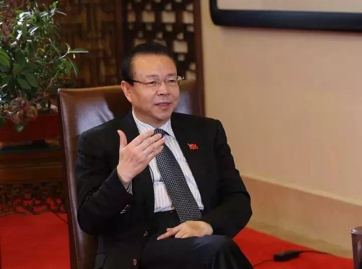 赖小民与其小老婆_《中国证券报》:赖小民——严防风险创新发展,发挥\