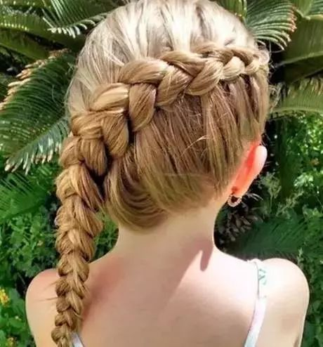 发型设计 儿童发型 >> 小女孩短发编发发型 教你编 小