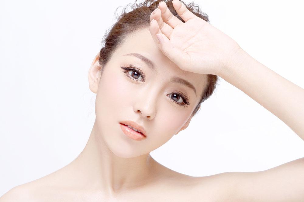 女人脸旁很多黄褐斑怎么去?祛除黄褐斑的天然有效方法