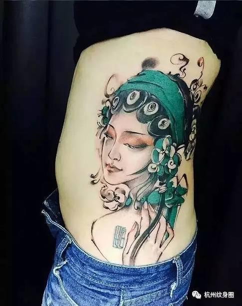 花旦纹身图案最具传统味道的一个纹身元素 它不仅在国内流行 责任编辑
