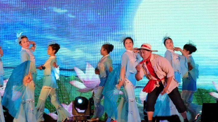 场舞大赛_强势围观!这场舞出青白江人幸福生活的比赛超惊艳!