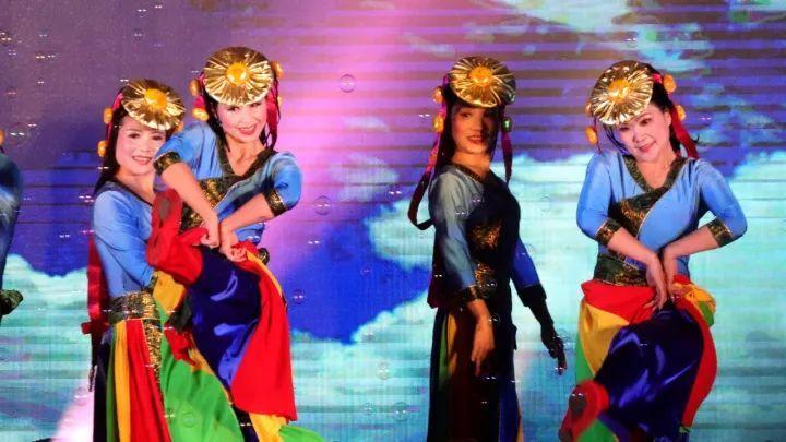 场舞大赛_这场舞出青白江人幸福生活的比赛超惊艳!