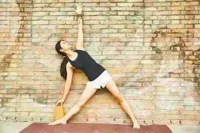 听说坚持练瑜伽和学会养生的人都可以长命百岁