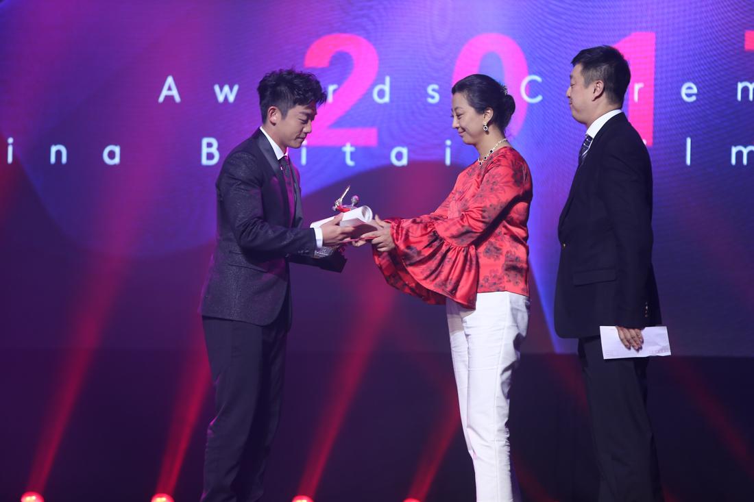 中英电影节颁奖揭晓 《战狼2》《湄公河行动》成赢家图片