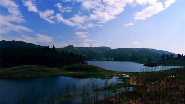 """昆明附近竟然藏了个""""九寨沟"""",离昆明仅8公里!!"""