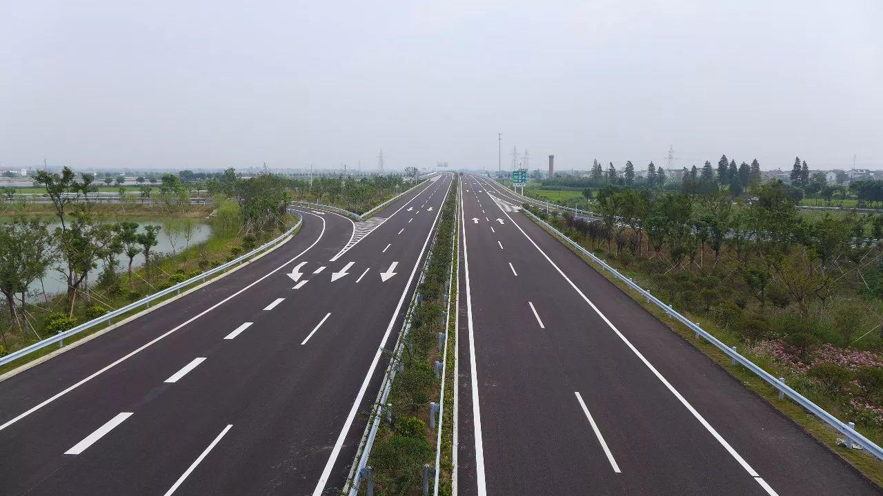 鹿邑西高速出口照片