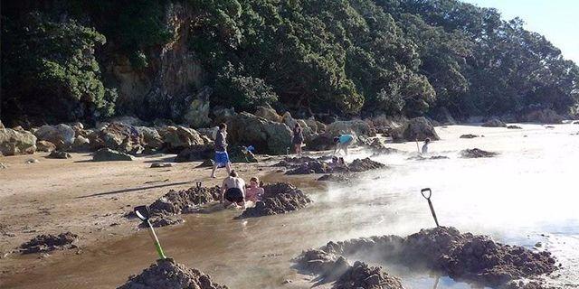 冬天度假也能去海滩 这里海水竟然高达60度