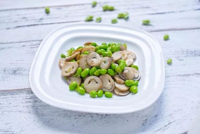 香菇中维生素D的含量比大豆高20倍比海带高8倍!