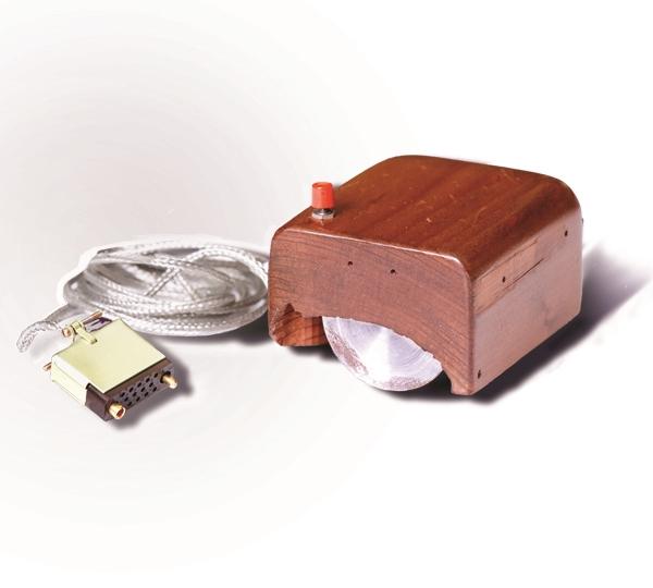 鼠标诞生49周年:世界上第一个鼠标就长这样,你用过哪款?