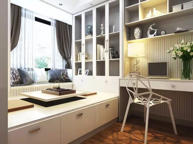 答:榻榻米加拼搭式书柜,榻榻米的升降台可以作为独立书桌,拼搭的书柜