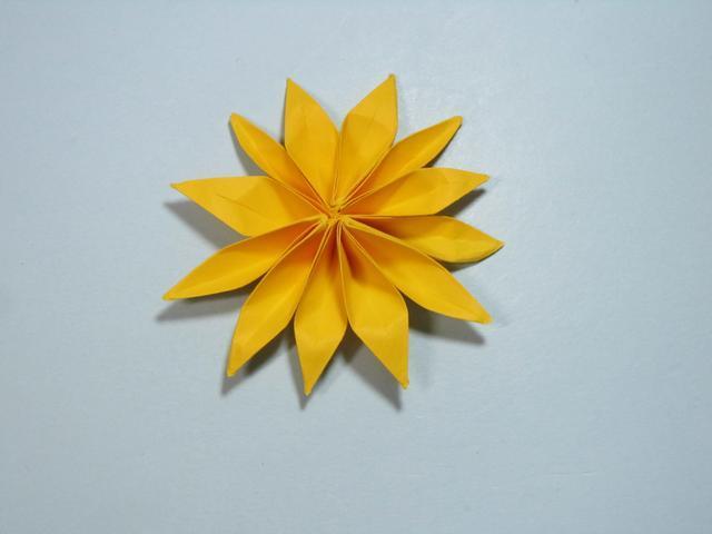儿童手工折纸花 菊花折纸步骤图解