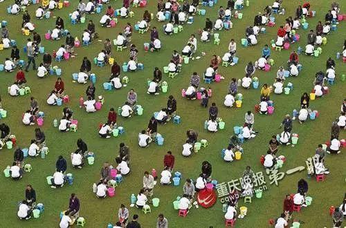 """【名家动态】李镇西:洗个脚就算是教育了?这样的""""教育创新""""要不得"""