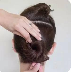 韩式气质女人直发盘发发型,完美花苞头扎法图解!