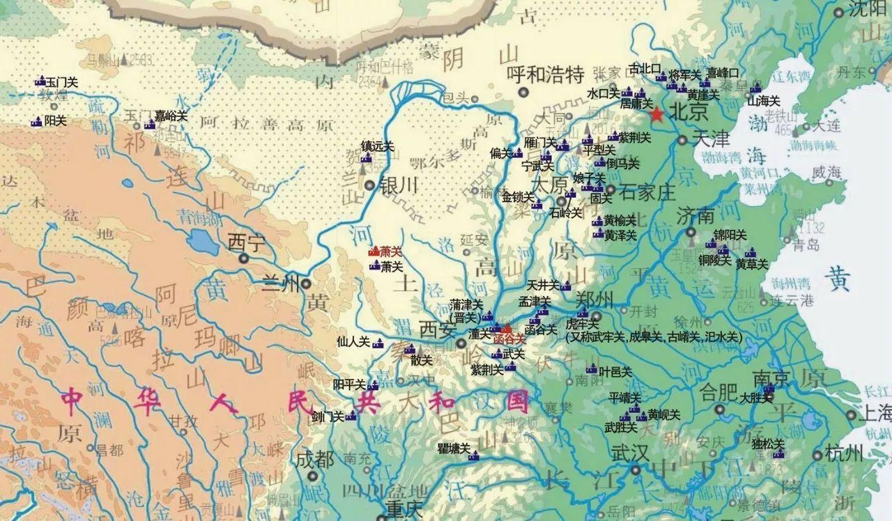 顺带说一句,以北京为中心的华北平原,和以西安为中心的关中平原,周围