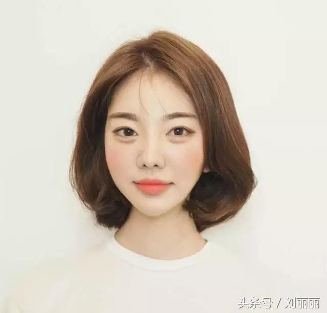 2018韩式短发流行趋势出来了,女人味好浓图片