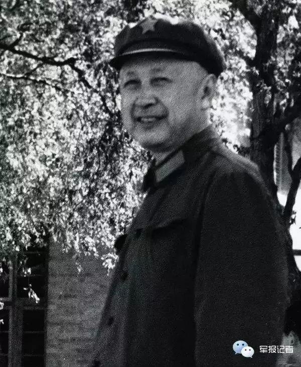 今天是这位伟人诞辰106周年纪念日!中国由大向强,尤需大师