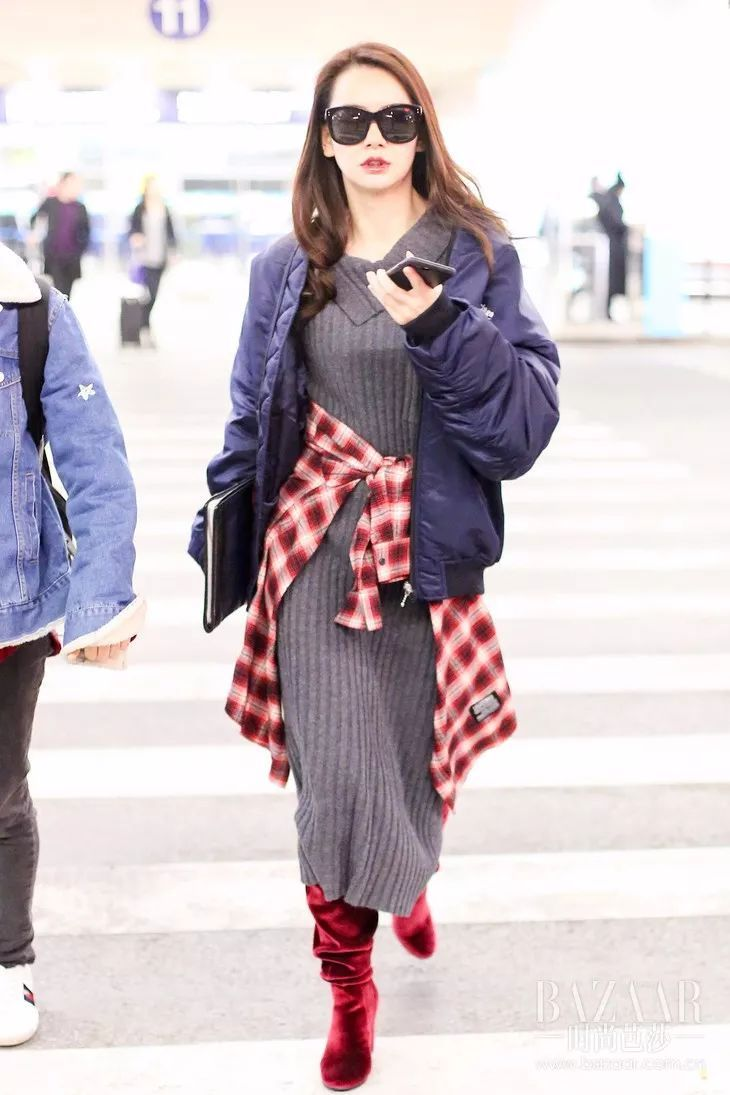 风针织长裙上找到灵感,那来源必须是本土品牌immi ,连街拍女神范冰冰