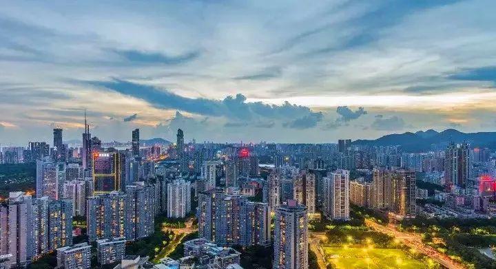 深圳和苏州经济总量_苏州经济