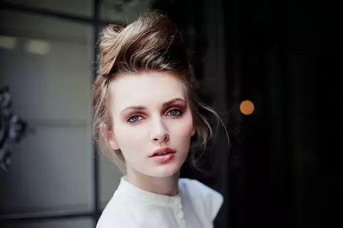 关于减龄化妆的技巧