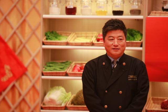 美食 正文  为了犒劳辛苦的工作人员,我们的厨艺总监刘一帆可是没闲着