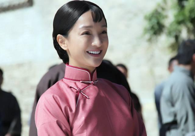宋佳在电视剧《少帅》中的头帘刘海塑造了