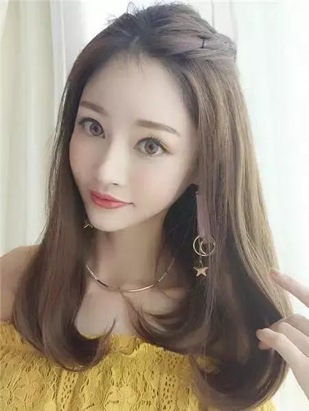 最色的女人_一头棕色带着亚麻色的发色搭配,打造黄皮肤女生最喜欢的温柔风.