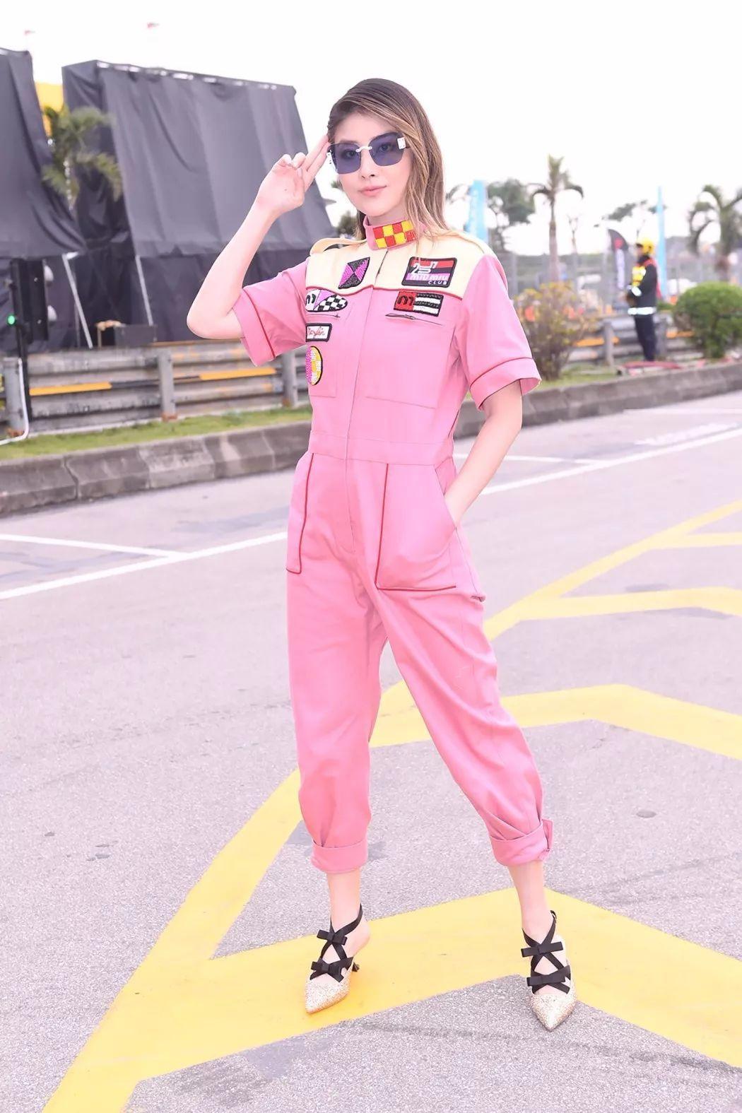 Hello!快来加入Miu Miu早春赛车俱乐部!
