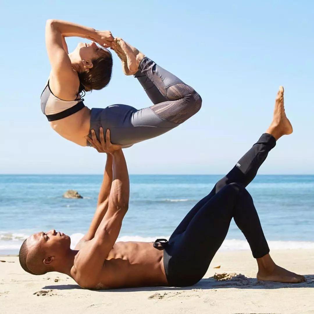 感动100万人的健身情侣照,这才是最好的爱情