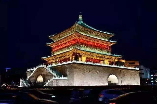 """明月孤云长挂情"""",作为古城西安标志性建筑之一的钟鼓楼,是全国各地"""