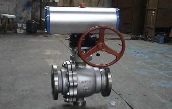 联系气动阀门厂家更换密封垫片和对转动处加润滑油,使其可以正常工作.图片