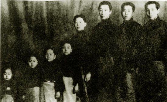 张作霖八女儿结局大不同:有开国中将,有普通班主任,张学良最高寿