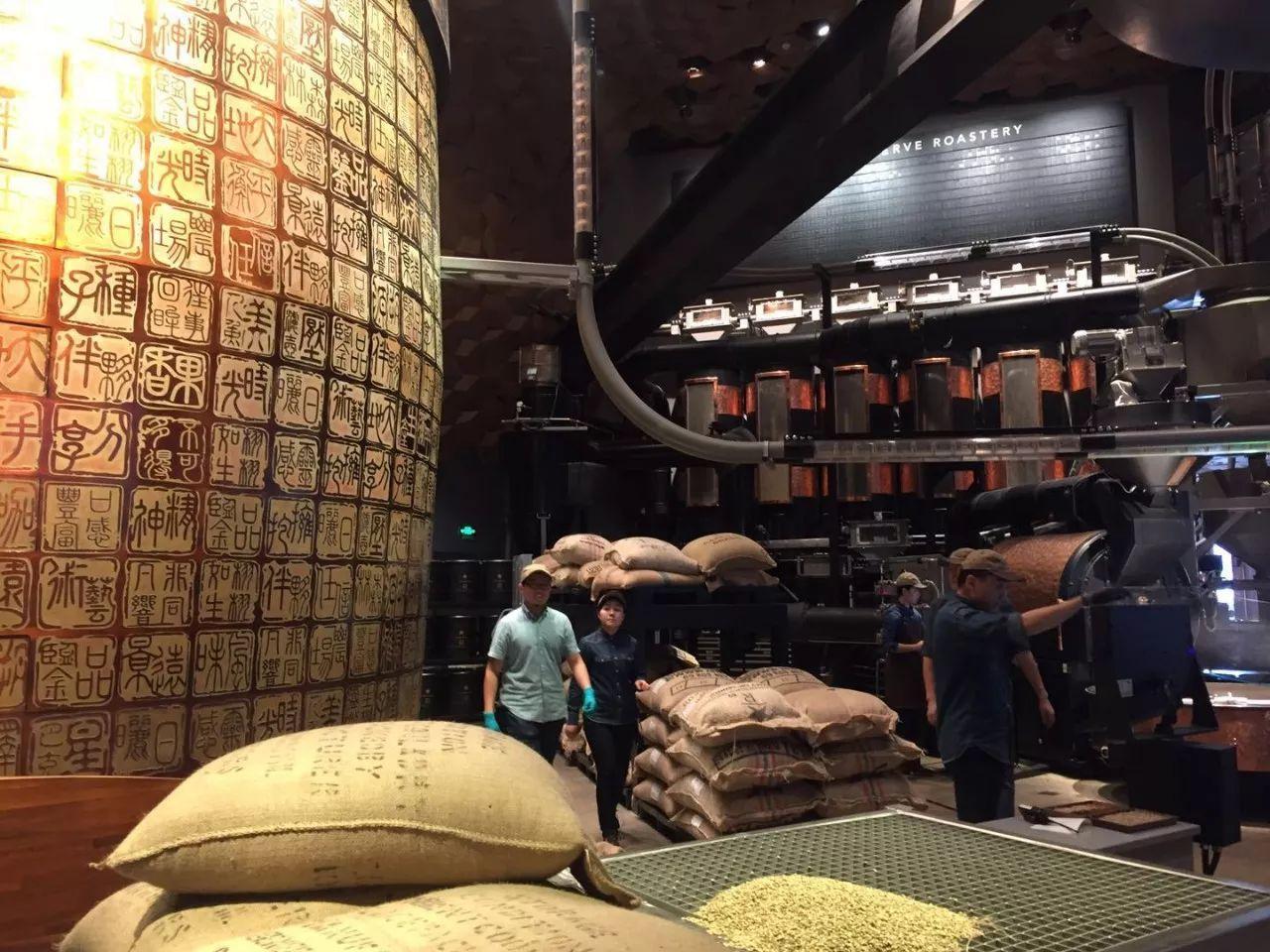 在上海喝杯咖啡竟然要排队2小时?某些国家的星巴克居然要买票才能进!