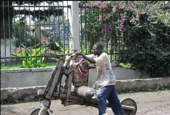 非洲人人体艺术图片_直击:非洲人奇葩发明 比国内很多东西都好用