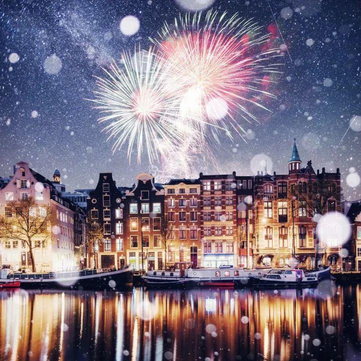 免费机票送你去荷兰!跨年烟火、冬泳挑战、圣诞集市,圆你一个梦幻冬日