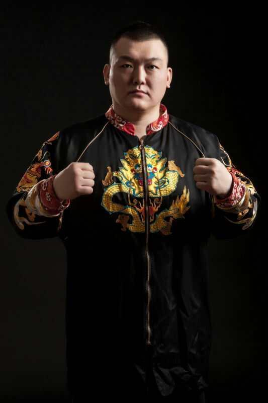 亚洲巨人张君龙:任何一名日本拳手在我面前坚持三个回合就算他赢