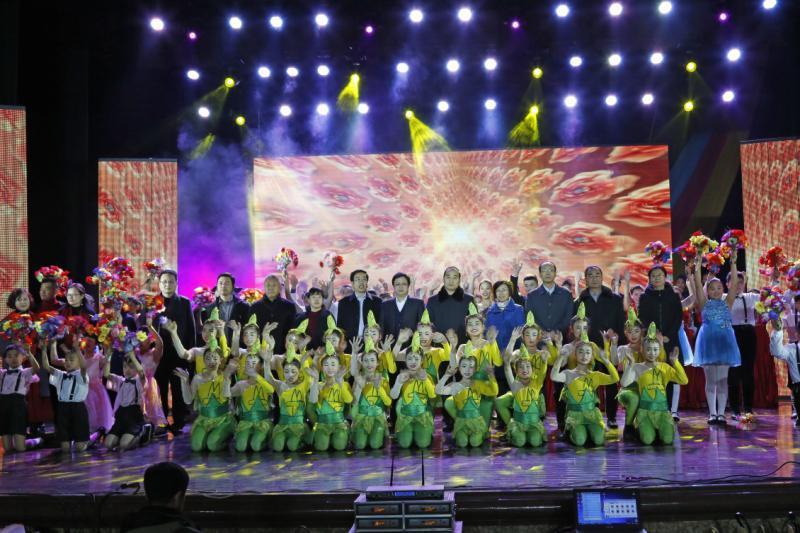 山西阳泉矿区中小学生绽放青春放飞梦想共圆中国梦