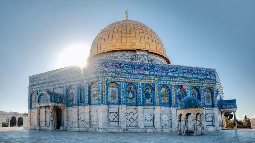 如今,金顶清真寺不仅仅是伊斯兰教朝圣之地,它也频频被录入来自世