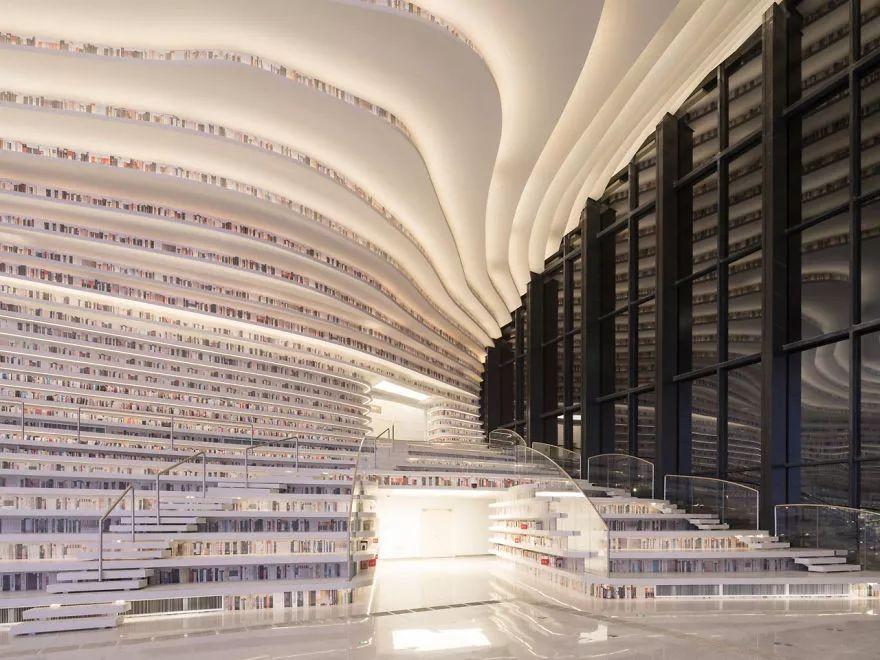 中国最美图书馆,里面的图书竟是假的!