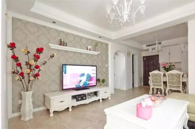 86㎡简约欧式婚房,客厅带书房和阳台,很惬意!