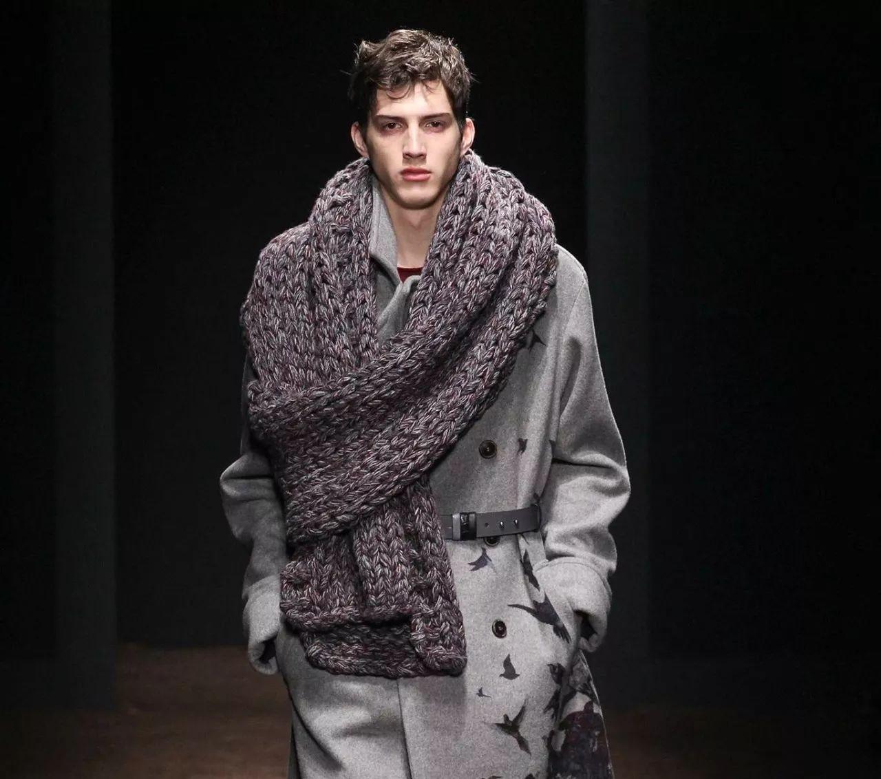 用羊绒的大衣面料可以做成围巾披肩吗?