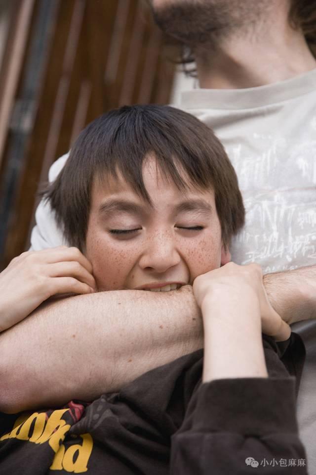 在幼儿园被打了,你会教孩子怎么做?