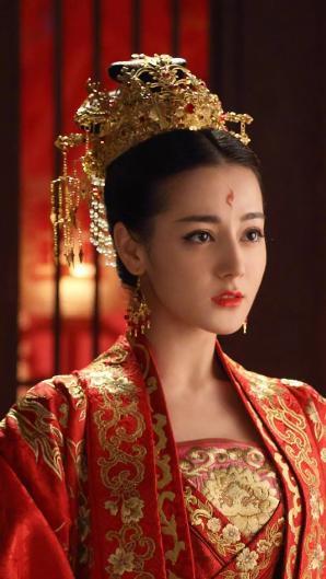 死去的女明星名单_女明星红唇烈焰的红衣造型,谁最深得你心?