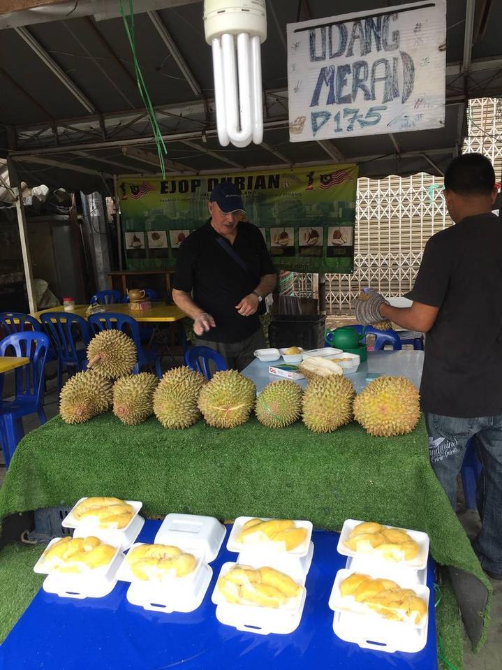 durian stall jalan alor 地址:hotel alor street旁