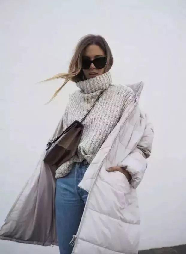 偷偷撸不是所有_时尚 正文  偷偷告诉大家 妆姐已经下手撸了一件白色羽绒服啦~ 这么冷