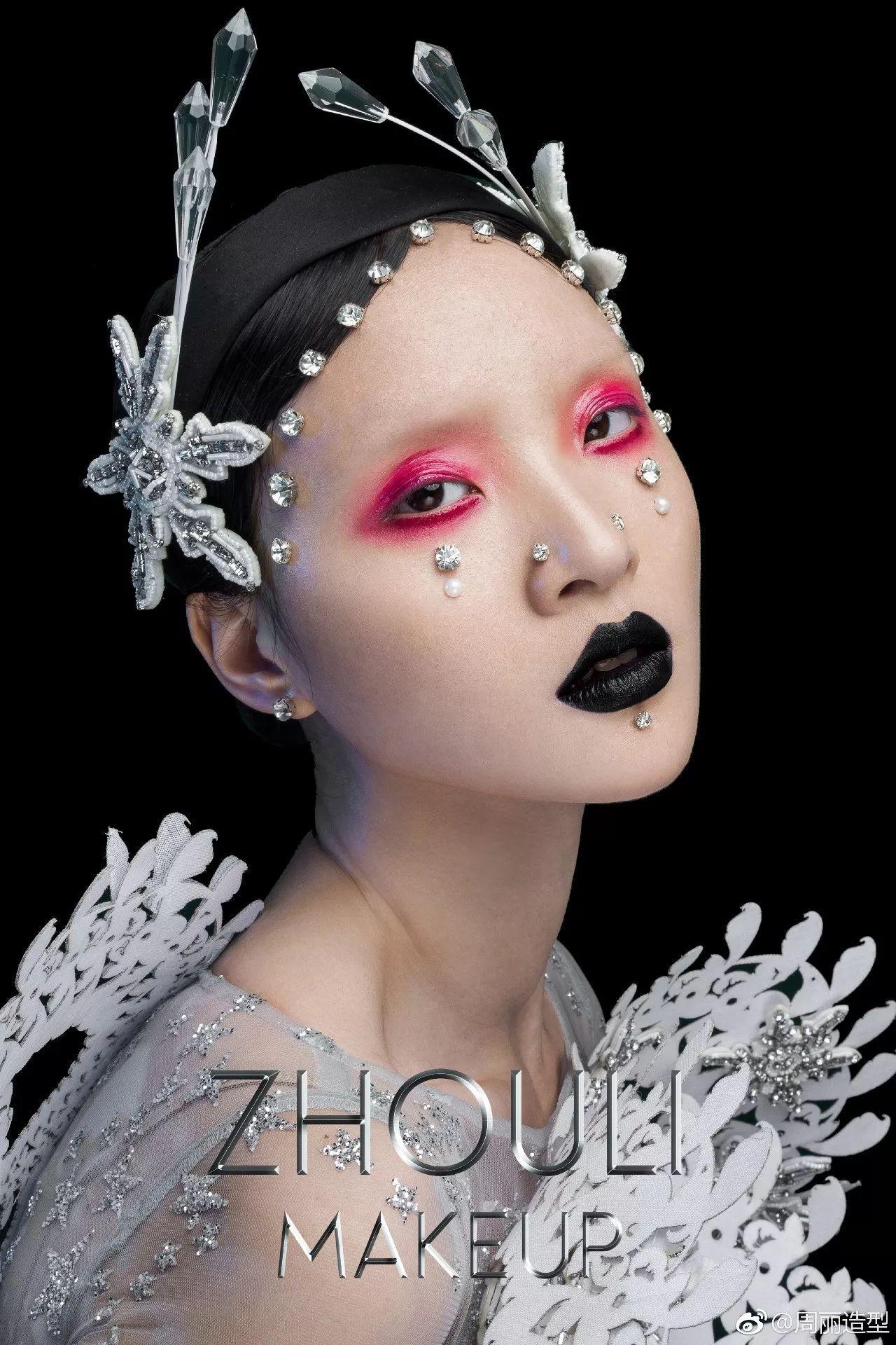 新娘造型|复古华美的超夸张头饰图片